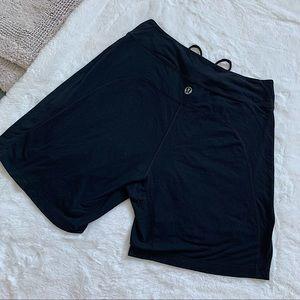 LULULEMON | Black biker shorts size L-XL